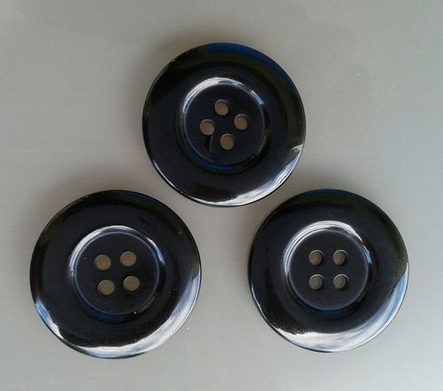 3 gros boutons 34mm noirs